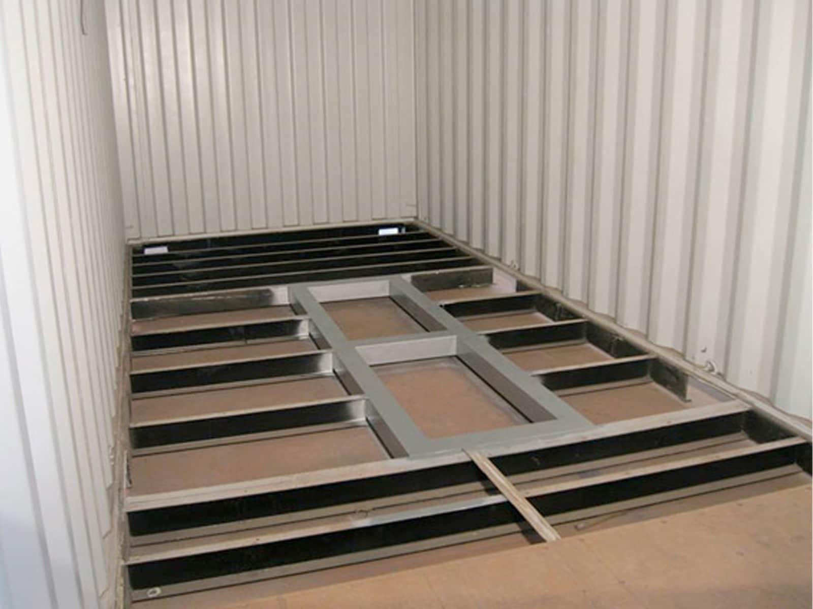 Reforço estrutural para carga de maquinaria pesada, Sines