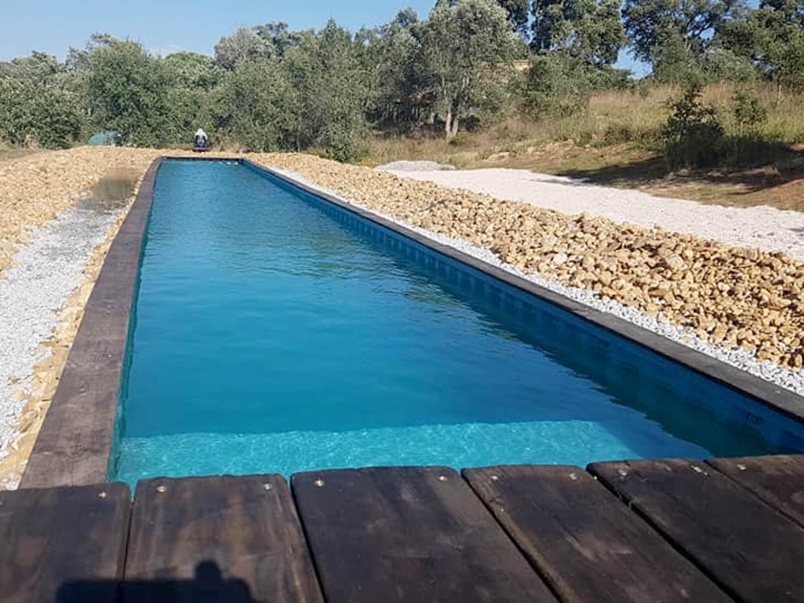 Contentor 40″ transformado em piscina